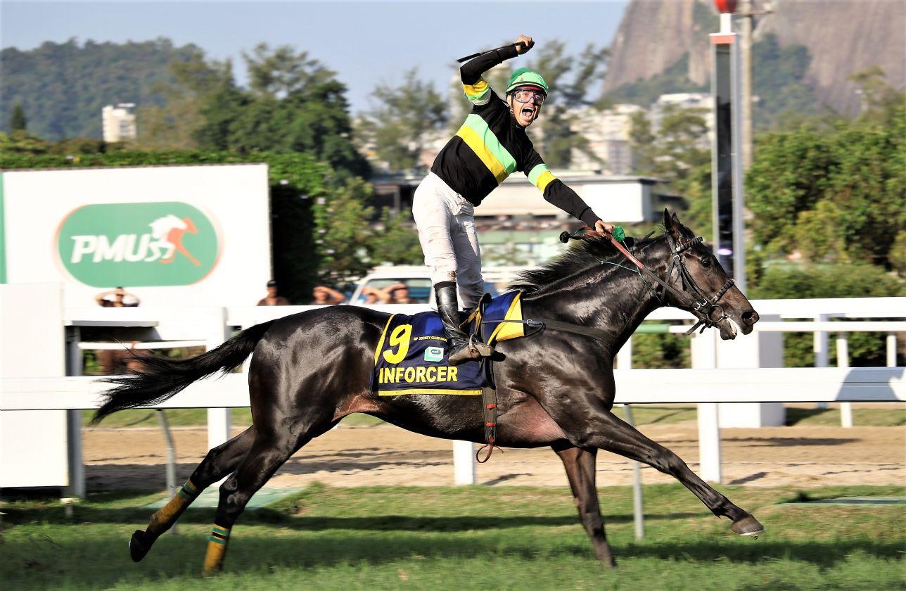 JCB: De perdedor a líder da Geração, Inforcer vence o GP Jockey Club Brasileiro